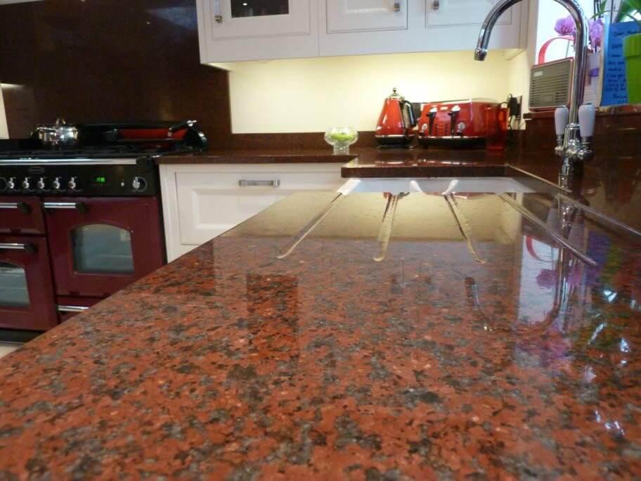 carmen red granit tezgah